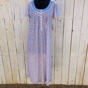 Adonna floral henley nightgown small